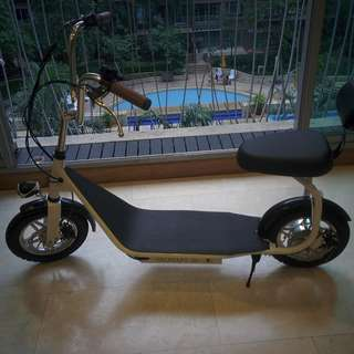 Brand new Harley Electric Scooter URGENT Sale --contact for price.