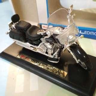 Maisto 1:18 Yamaha 2001 Road Star Silverado diecast motorcycle 電單車 車仔