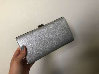 Clutches/bags