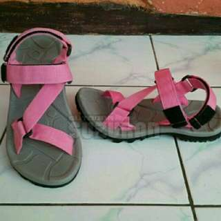 Sandal Gunung Suzuran Edge x Mr2 Grey w Pink