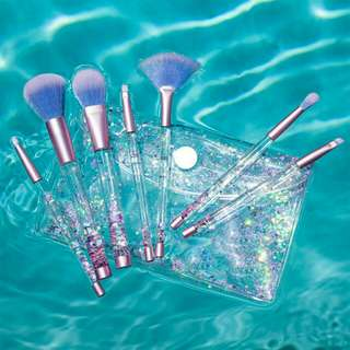 glitter blink brush with pouch