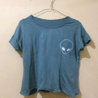 Crop tee alien tumblr