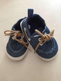 Baby boy shoe jeans material