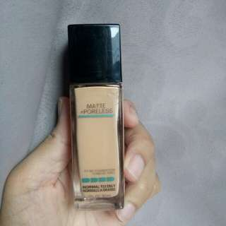 Maybelline Foundation Fit Me Matte & Poreless shade 230 Natural Buff
