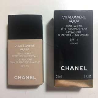 Chanel Foundation (Vitalumière Aqua)
