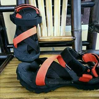 Sandal Gunung Suzuran Cross Thumb Mr1 Black w Black Orange