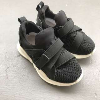 Baby shoes sneaker for boy or girl