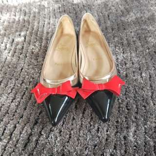 Louboutin Suspenado Flats As New