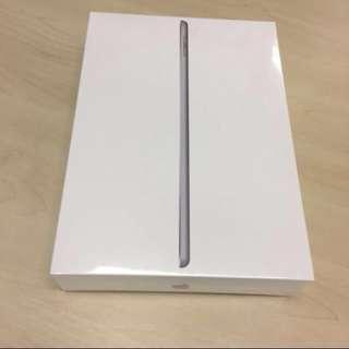 iPad 5th Generation 2017 Sealed BNIB Space Grey 128GB