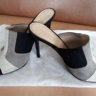 Sandal wanita charles & keith