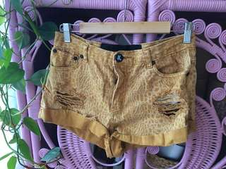 One Teaspoon distressed shorts size 30 (10-12)