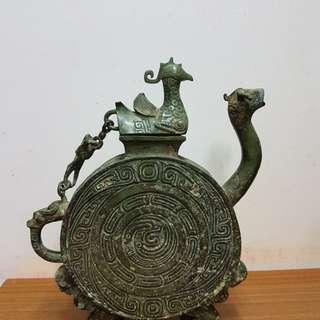 青铜器壶子
