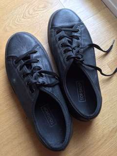 Barely used Topshop black sneakers