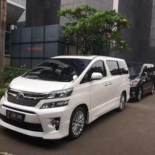Sewa mobil Toyota Vellfire murah dan elegan di Jakarta (wedding/non-wedding).