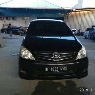 Toyota Innova G 2.0 AT 2010