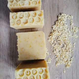 Honey and oatmeal soap 🍯