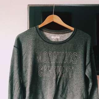 Aeropostale gray pullover