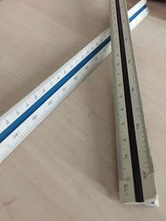 Triangular scale ruler