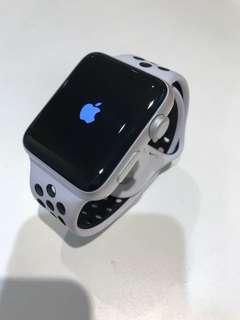 Apple Watch Sevies 2 42mm Nike 版 銀色(連充電缐)SH011267