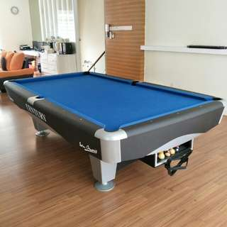 AMERICAN 9ft POOL TABLE