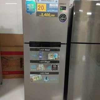 Samsung kulkas 2 pintu, bisa cicilan bebas uang muka