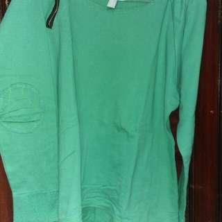 Kaos hijau lengan panjang