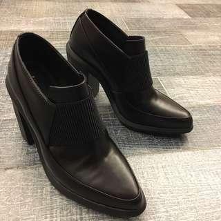 英國設計鞋 United Nude 黑色粗跟短靴