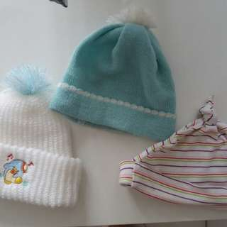 Baby beanie/hat (3forRM5)