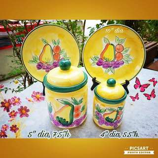 Vintage Porcelain or Ceramic Jars and Plates for Sale. All 4 items for $10 clearance. Unused, Good Condition. Sms 96337309.