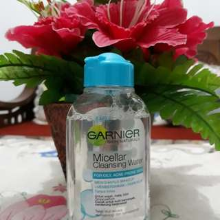 Garnier Micellar Cleansing Water - preloved