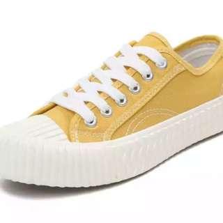 餅乾鞋黃色