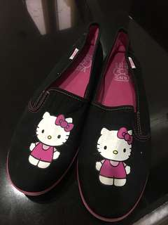 Brand name: Authentic hello kitty vans from US Size: 9 Price: 799