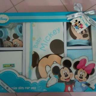 New Born Gift Set Mickey Mouse