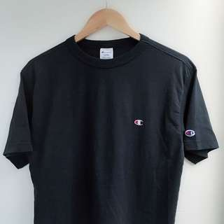 CHAMPION navy neck t-shirt