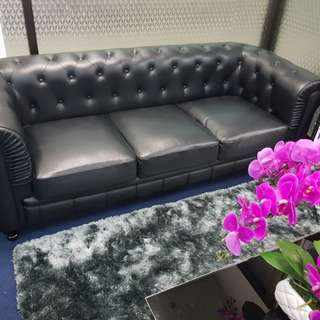 EXCELLENT CONDITION FULL LEATHER BENJAMIN CLASSICAL 3 SEATER