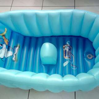 Bathtub for baby
