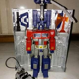 Takara MP10 Optimus Prime with Jet pack