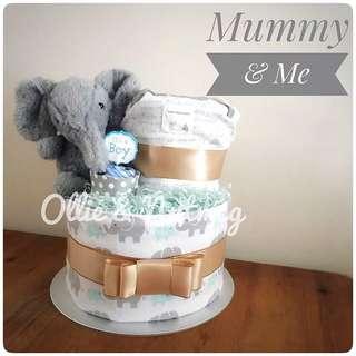 Baby shower gift hamper diaper cake