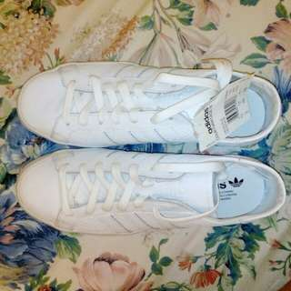 Courtvantage Adidas Shoes