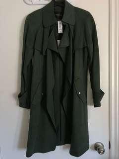 Aritzia Babaton Lawson trench coat - BNWT + RARE COLOUR