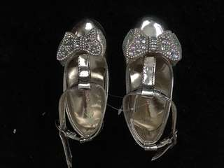 New girl shoe size 23