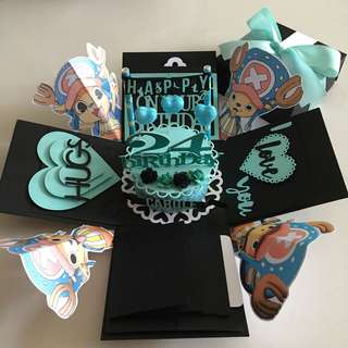 One piece chopper explosion box with cake , 4 waterfall in black & Tiffany