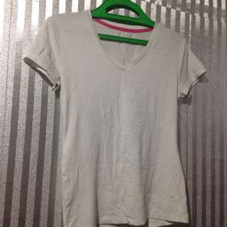 Cotton vneck white tshirt