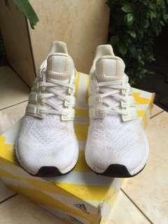 Sepatu / Sneakers Pria - Adidas Ultraboost - Triple White