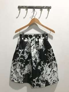 No Label - B/W Flower Midi Skirt
