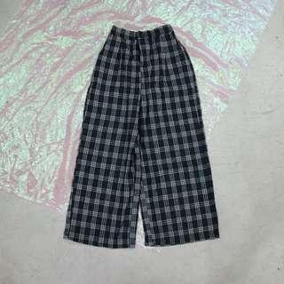 格子造型寬褲