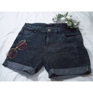 """""""Regular Rise Select"""" brand, black fitted shorts"""