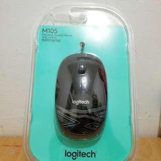 羅技Logitech M105 標準有線滑鼠(黑色)