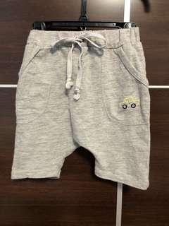 淺灰 短褲