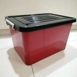 33L Storage Box with Small Wheels